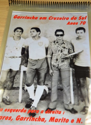 Garrincha vestiu a camisa do Náuas em amistoso no ano de 1972 (Foto: Adelcimar Carvalho)