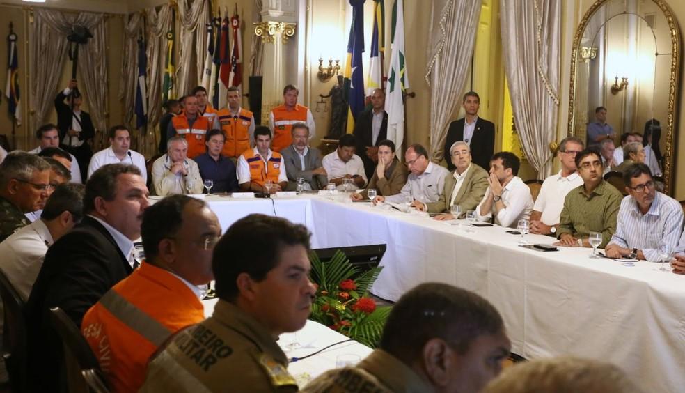 Reunião de Temer com governador contou com nove ministros, presidentes do Senado e da Câmara dos Deputados, além de prefeitos de cidades atingidas (Foto: Aluisio Moreira/SEI)