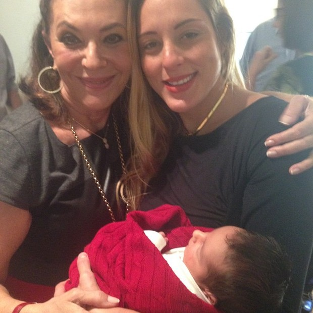 Beth Szafir, Luhanna Melloni e o filho (Foto: Instagram / Reprodução)
