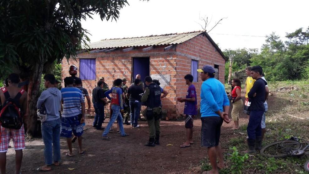 Crime aconteceu na casa da família, próximo à comunidade rural Três Bocas (Foto: Polícia Civil de Monte Alegre/Divulgação)