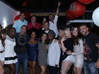 Ex-BBBs se reúnem para assistir à estreia do 'Big Brother Brasil 16'