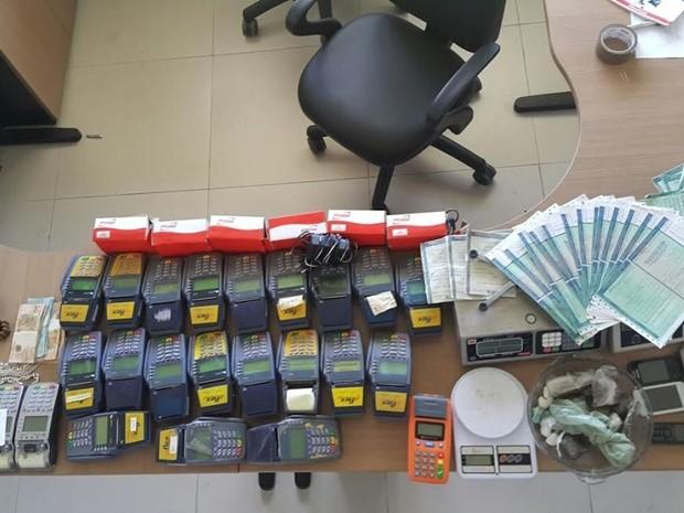 Documentos que podem ter sido roubados do Detran foram encontrados na casa do suspeito (Foto: Divulgação/Secom-PB)