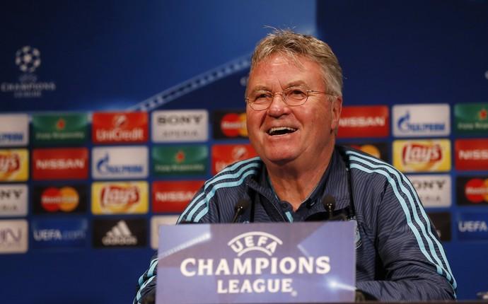 Guus Hiddink coletiva Chelsea (Foto: Reuters)