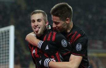 """Deulofeu marca, Milan bate Fiorentina em jogo de """"seis pontos"""" e mira G-5"""