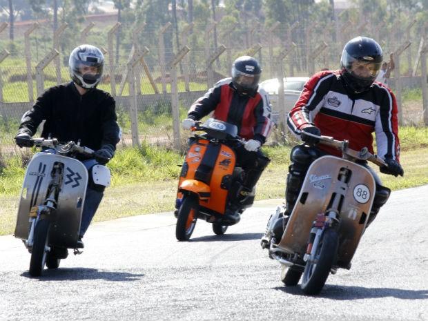 Corrida realizada pela primeira vez em Araraquara reuniu 17 pilotos (Foto: Fabio Rodrigues/G1)