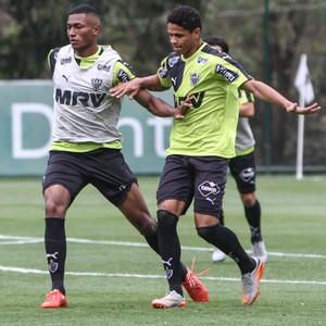 Douglas Santos treinando (Foto: Bruno Cantini/Flickr do Atlético-MG)