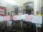 Moradores protestam contra aumento do salário de vereadores em Iguape