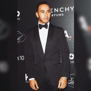 Lewis Hamilton em evento de caridade em Nova York (Foto: Divulgação)