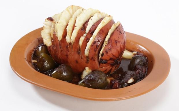 'Cozinheiros em Ao' - Ep. 13 - Carol: tender com abacaxi (Foto: Reproduo / GNT)