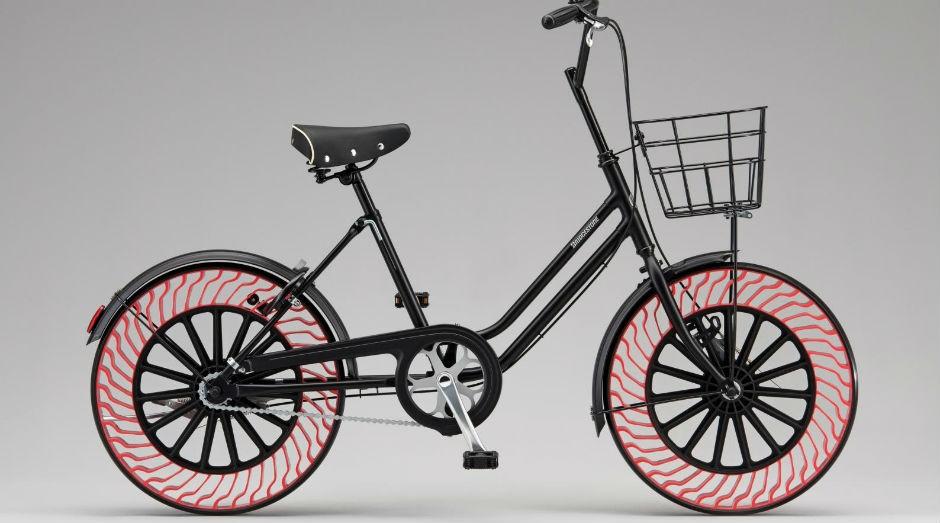 """Pneus """"airless"""" são feitos de resina termoplástica (Foto: Bridgestone)"""