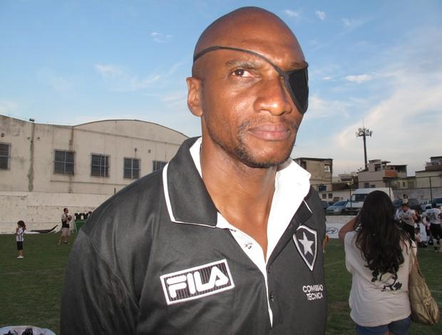 Rex Erickson coordenador de defesa do Botafogo no Torneio de Touchdown futebol americano (Foto: Ana Carolina Fontes)