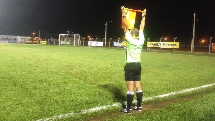 Tarcísio Matas na partida entre Paraíso e Ricanato no estádio Pereirão (Foto: Vilma Nascimento/GloboEsporte.com)