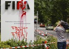 Grupo protesta na sede da Fifa em Zurique ( AFP Photo/Michael Buholzer)