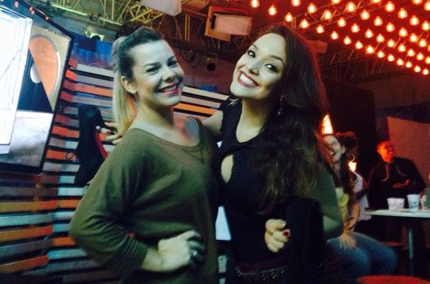 Maria Alice e Fernanda Souza arrasaram no look para curtir o #PréTVB  (Foto: Divulgação/ RPC TV)