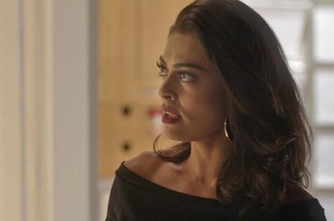 Juliana Paes é Carolina em Totalmente demais (Foto: TV Globo)