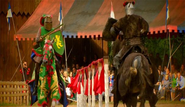 Na Europa:  equipe da EPTV acompanha o show  da cavalaria medieval (Foto: Reprodução/EPTV)