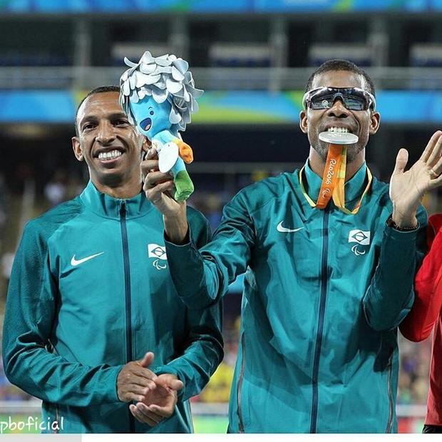 Odair Santos foi o responsável pela primeira medalha do Brasil nos Jogos (Foto: reprodução/instagram)