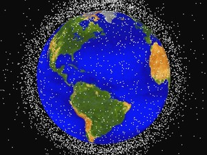 Mapa mostra quantidade de lixo espacial na órbita terrestre. (Foto: Nasa / AP Photo)