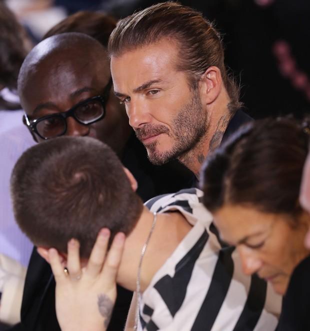 Edward Enninful, David Beckham e Brooklyn Beckham (Foto: Getty Images)