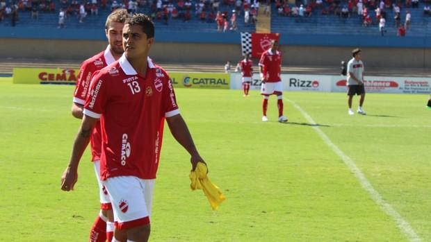 Vítor - zagueiro Vila Nova (Foto: Fernando Vasconcelos / Globoesporte.com)