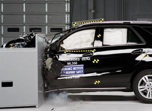 Mercedes GLE entra para a lista de carros mais seguros dos EUA (Foto: Divulgação)