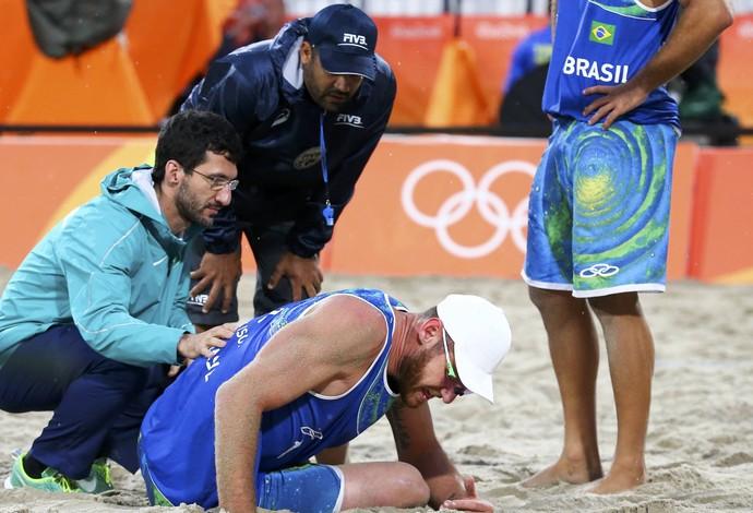 Alison machucado (Foto: Reuters)