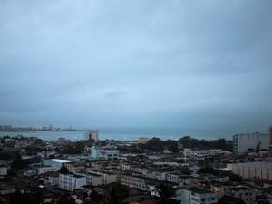 Previsão é de que o tempo continue chuvoso (Foto: Jonathan Lins/G1)