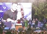 Familiares e fãs participam de missa para Cristiano Araújo e Alana Moraes