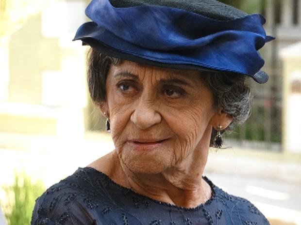 Dorotéia sente é mesmo saudades dos tempos de Dodô (Foto: Gabriela/TV Globo)