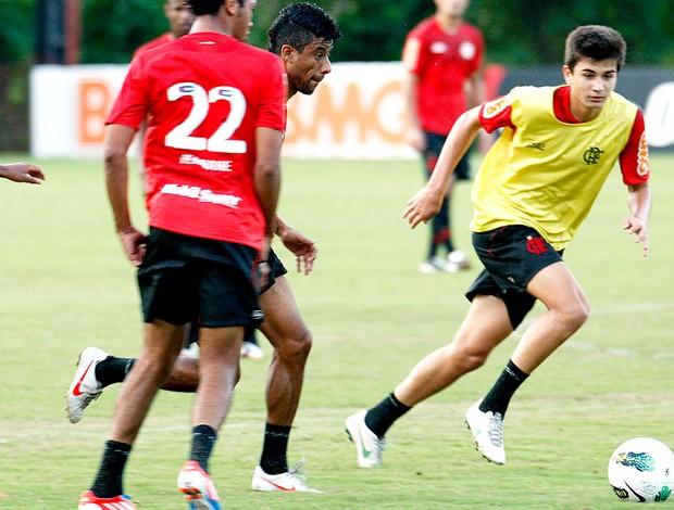 Matheus no treino do Flamengo (Foto: Márcia Feitosa / Vipcomm)