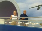 Acredita? Alex Escobar relembra momentos como comissário de bordo