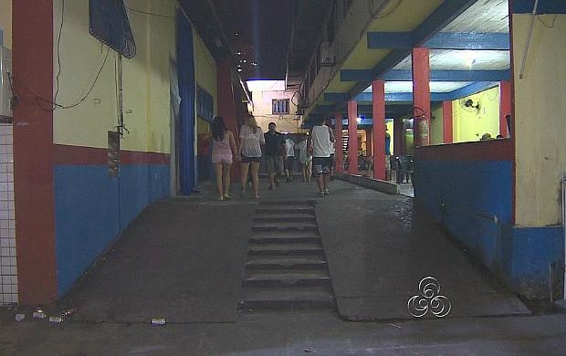 Alguns estabelecimentos já possuem saídas de emergência em Manaus (Foto: Amazônia TV)