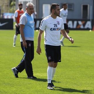Tite Renato Augusto Corinthians (Foto: Ricardo Taves / Ag. Corinthians)