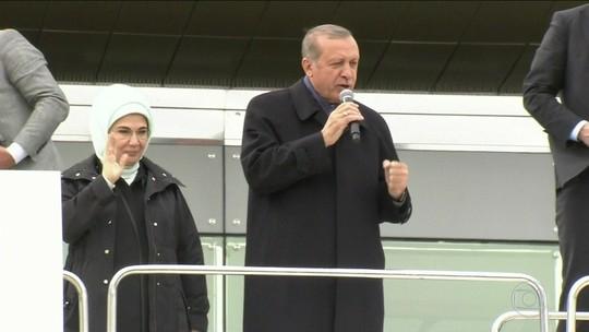2,5 milhões de votos podem ter sido manipulados em referendo turco, diz observadora europeia