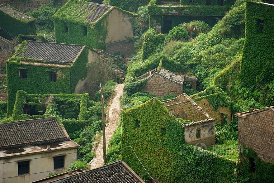 Vila abandonada de pescadores, na China (Foto: Divulgação)