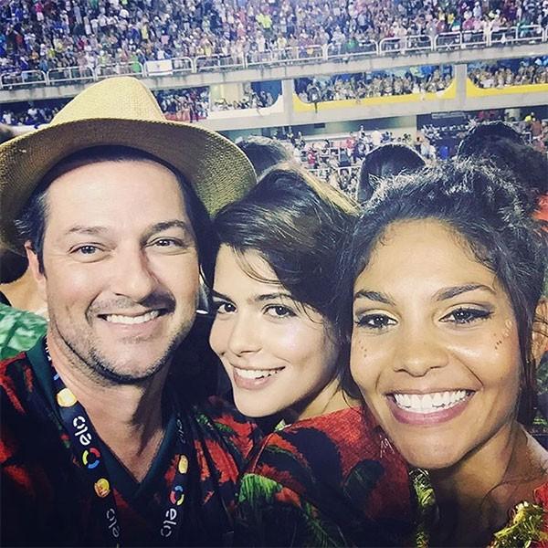 Marcelo Serrado, Julia Dalavia e Barbara Reis (Foto: Reprodução/Instagram)