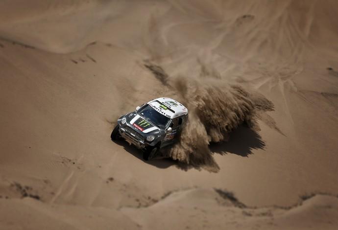Stéphane Peterhansel e Jean Paul Cottret na disputa da 13ª etapa do Rally Dakar (Foto: Benjamin Cremel/DPPI)