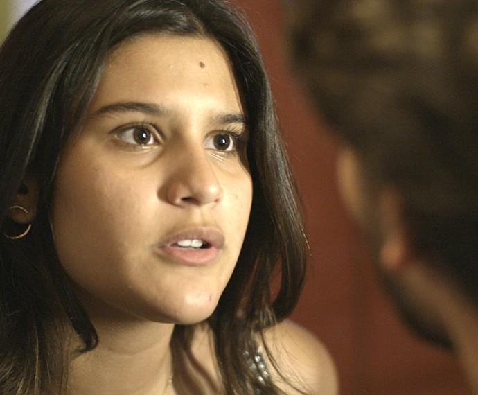 Lívia pede desculpa a Roger (Foto: TV Globo)