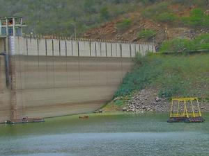 Barragem de Jucazinho em Caruaru (Foto: Reprodução/ TV Globo)