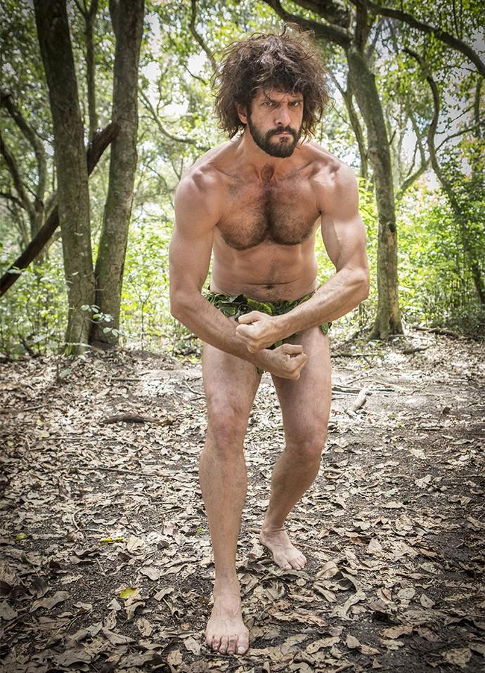 Guilherme incorpora o homem da selva  (Foto: Felipe Monteiro/Gshow)