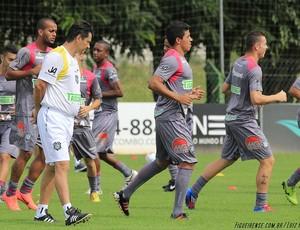 Adilson Batista acompanha treinamento no CFT do Cambirela (Foto: Luiz Henrique, FFC)