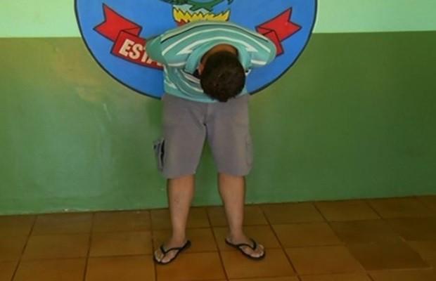 Homem é preso suspeito de abusar de crianças na igreja onde trabalhava (Foto: Reprodução/TV Anhanguera)