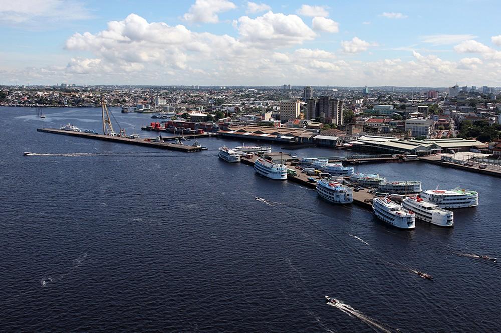 Manaus, no Amazonas, é a 10ª. A cidade abre uma empresa em cerca de 50 dias. O preço do m² é baixo, cerca de R$ 3.500, e a energia chega rápido ao estabelecimento, em torno de cinco dias.  (Foto: WikiCommons)