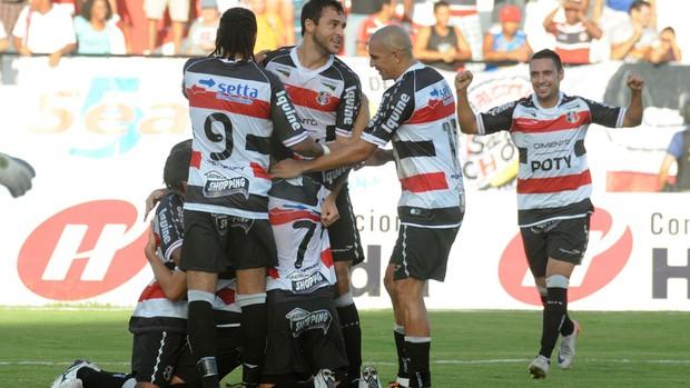 Santa Cruz vence o Treze pela Série C (Foto: Aldo Carneiro / Pernambuco Press)