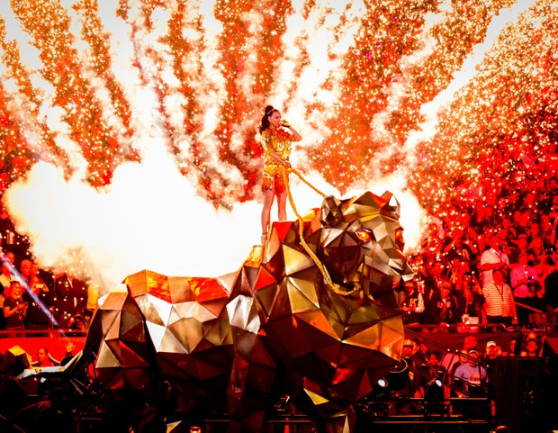 Katy Perry canta no Super Bowl em Glendale, no Arizona, nos Estados Unidos (Foto: Christopher Polk/ Getty Images/ AFP)