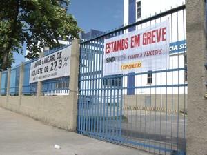 Servidores do INSS estão em greve há quase um mês no ES (Foto: Reprodução/ TV Gazeta)