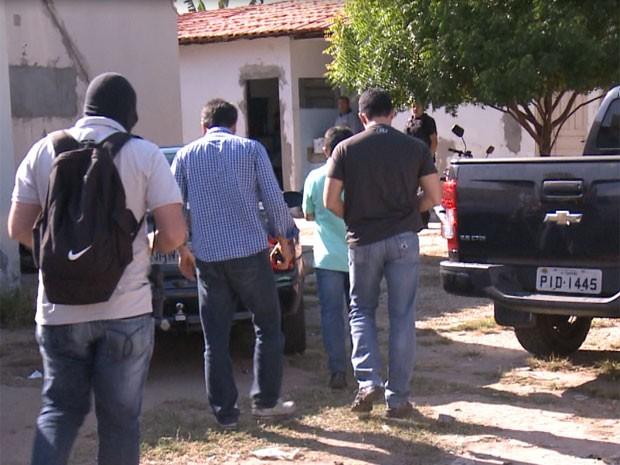 Presos foram encaminhados para a Sede do Greco em Teresina (Foto: Reprodução/TV Clube)