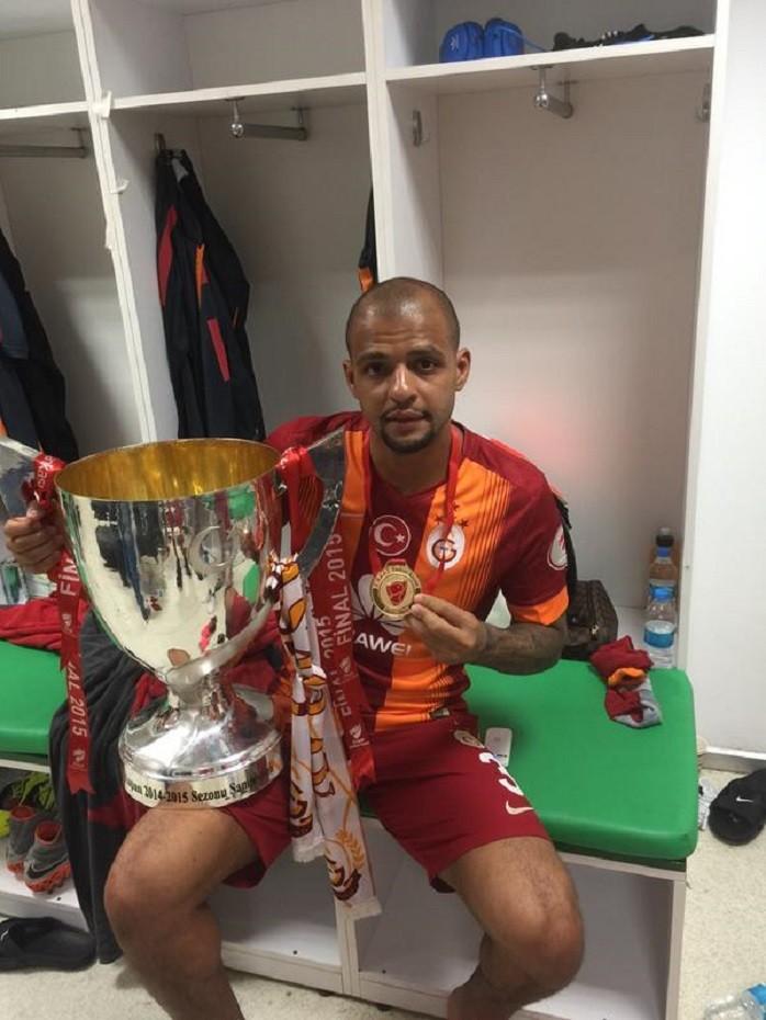 Felipe Melo comemora título da Copa da Turquia'