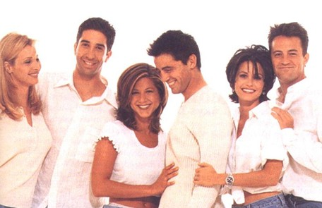 Na primeira temporada de 'Friends', exibida em 1994, Courteney Cox tinha o cabelo curto, com franja desfiada Divulgação