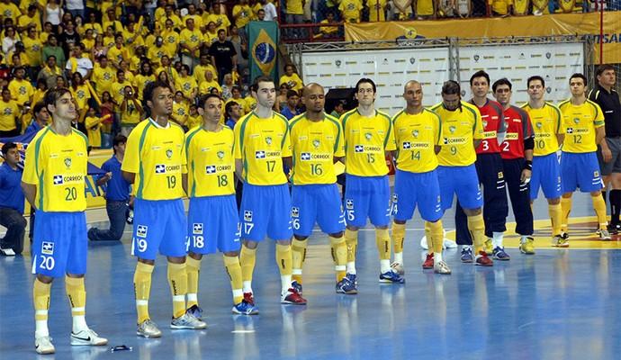 Futsal seleção Brasil 2008 (Foto  LC Moreira Futura Press) Jogadores ... eb6e632557acb